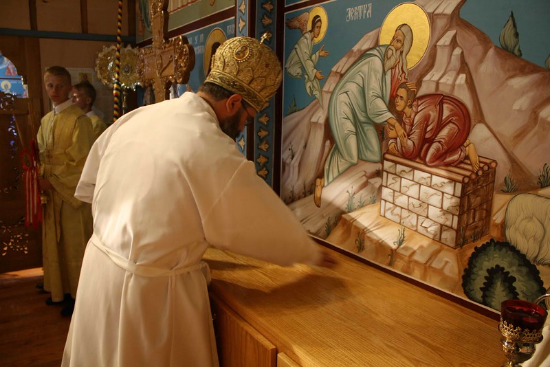 Consecration Holy Trinity (206).jpg