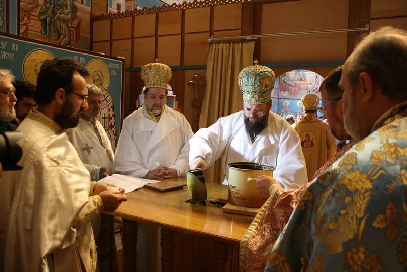 Consecration Holy Trinity (201).jpg