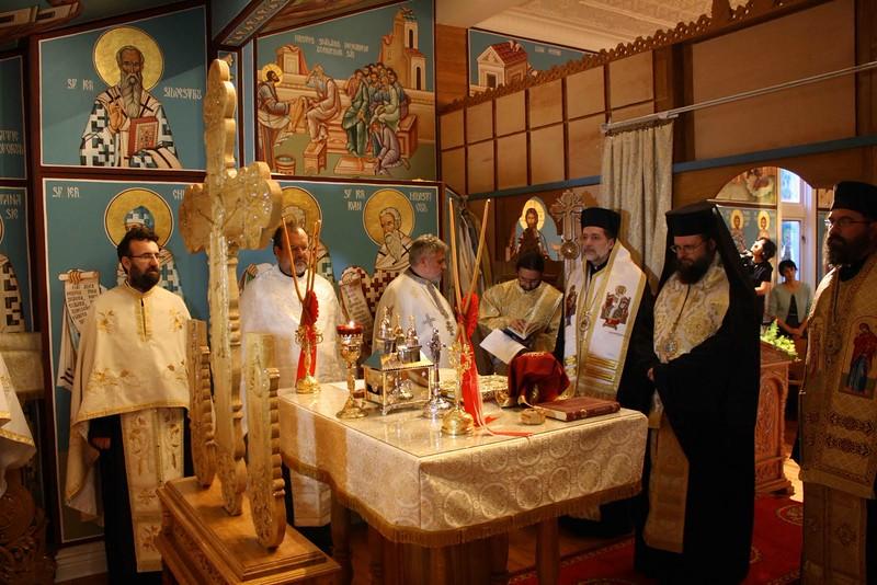 Consecration Holy Trinity (29).jpg