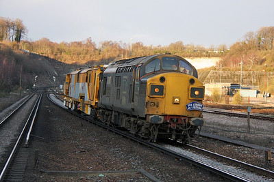37087 Micheldever 16/12/11 6Z16 Ashford to Eastleigh with Stoneblower DR80207