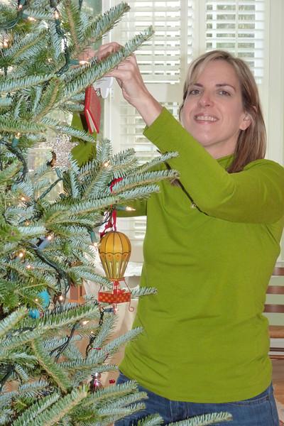 Elizabeth, trimming the tree