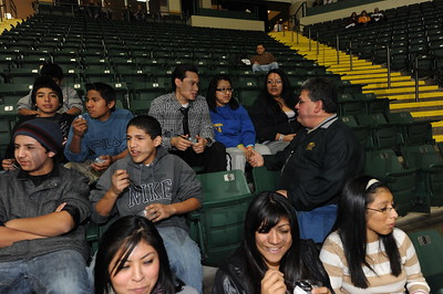 7535 Tony Ortiz with Latino Students from the Miami Valley 12-1-11
