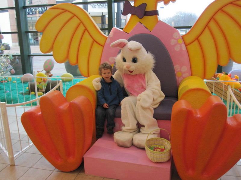 GOTTA VISIT THE EASTER BUNNY AT HILLDALE MALL