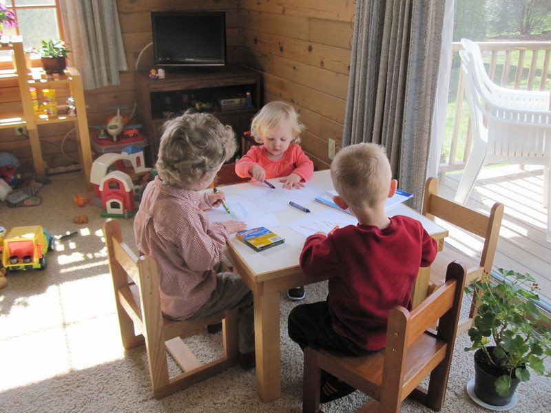 COLORING AT AUNTIE BONNIE SCHMIDTS HOUSE