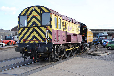 08933 shunts 68505 at Eastleigh Works.
