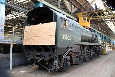 35005 inside Eastleigh Works.