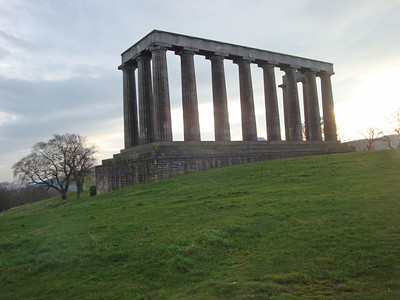 Accordingly, I decided to try my luck instead on Calton Hill, which was infinitely closer and a great deal less high.