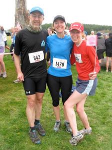 13 Chris Elsa Tracy finish line
