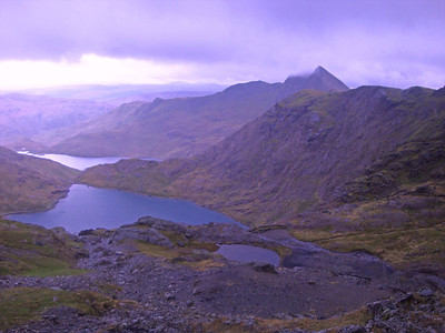 The gusts were forecast to drop to 50 mph on Day 2, so I decided to see whether Mt Snowdon might be achievable.