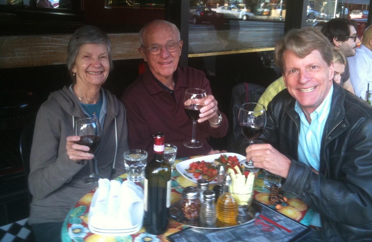 Sidewalk dining at Calzone's on Columbus Street in San Francisco
