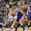 Tribune-Star/Rachel Keyes<br /> Quick Drive: Indiana State's Shannon Thomas drives the basket for two against Evansville.