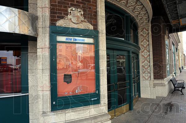 MET021511theaterfront