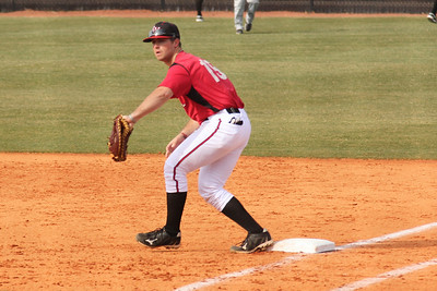 Dusty Quattlebaum (15) practices before the Diamond 'Dogs home opener versus App St.