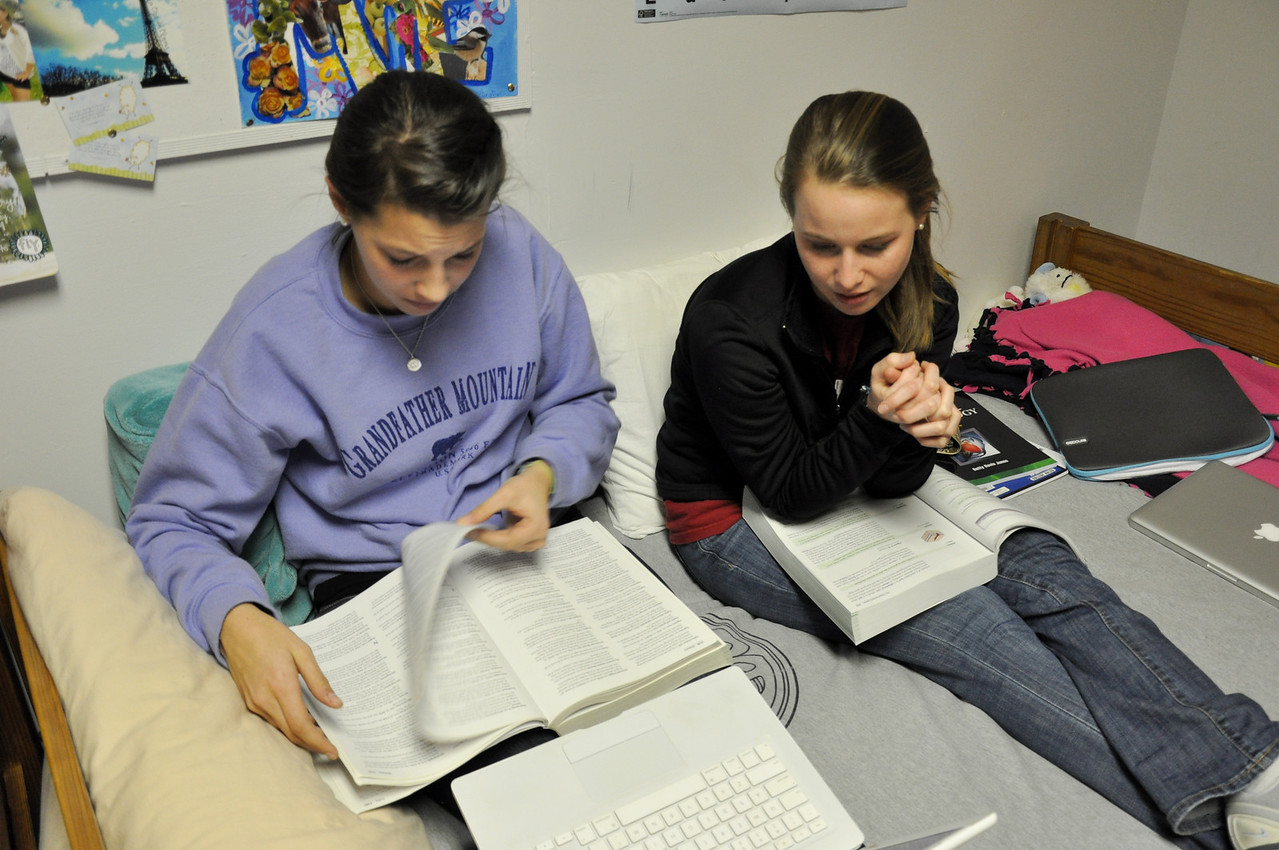 Mason Smith and Caitlin Blazek studying Medical Terminology