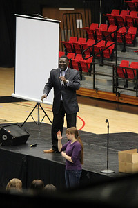 Smaratan's Feet founder Manny Ohonme speaks at GWU Dimensions on Tuesday, February 1, 2011
