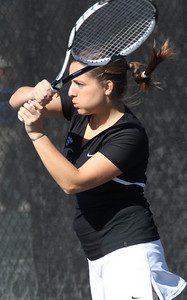 Rita Gouveia plays tennis on February 19th.