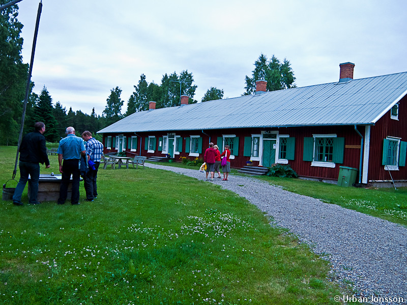 Vi sammanstrålade på ett vandrarhem i Hörnefors...
