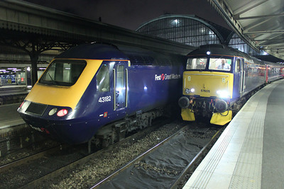 43182 alongside 57605 2340-1c99 Paddington-Penzance 11/08/11