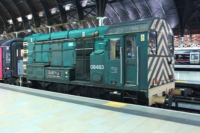 08483 sits at Paddington at 2325 having dragged the ecs sleeper stock in. 11/08/11