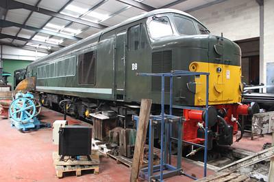Class 44 D8 'Penyghent' (44008) Peak Rail.