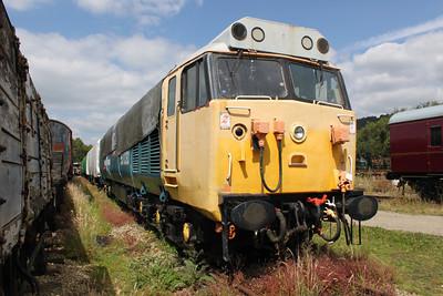 Class 50 50030 'Repulse' Peak Rail.
