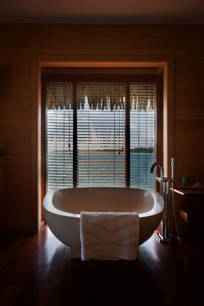 bora bora four seasons bath