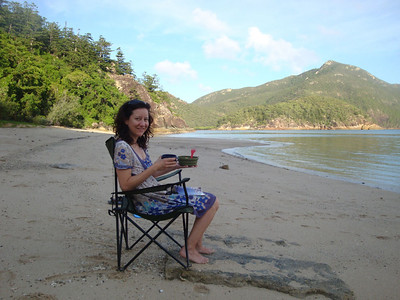 And a dining room. Jasmijn was plagued by ferocious mozzies at our camp, and so was unable to linger to cook. And so I brought her dinner on the beach every night. And breakfast. And lunch... I think she trained some of those mozzies.