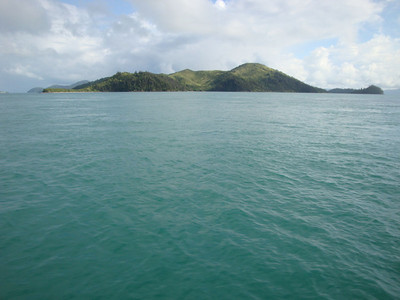 En route, we toured most of the Whitsundays. Hook Island is a long way out.