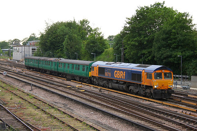 66715 Basingstoke 28/06/11 5L06 Eastleigh to Chappel Wakes Colne with 306017