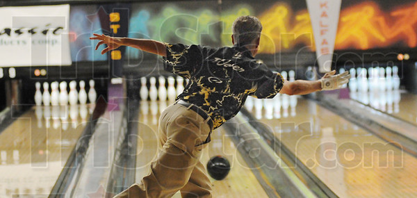 Tribune-Star/Rachel Keyes<br /> Strike in the making: Pete Weber watches at the ball rolls down the lane and heads for the pin in the Annual Terre Haute Open.