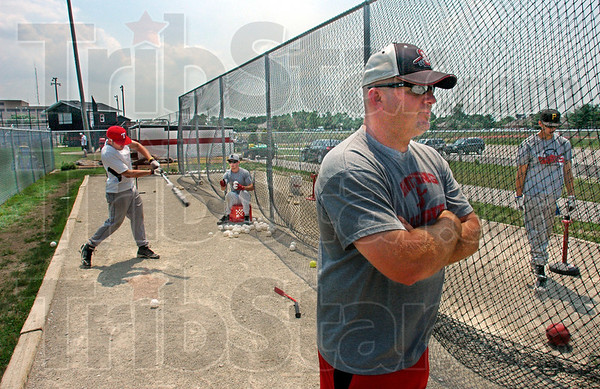 Final practice: Terre Haute South head coach Kyle Kraemer watches his players during Friday afternoon's final practice session.