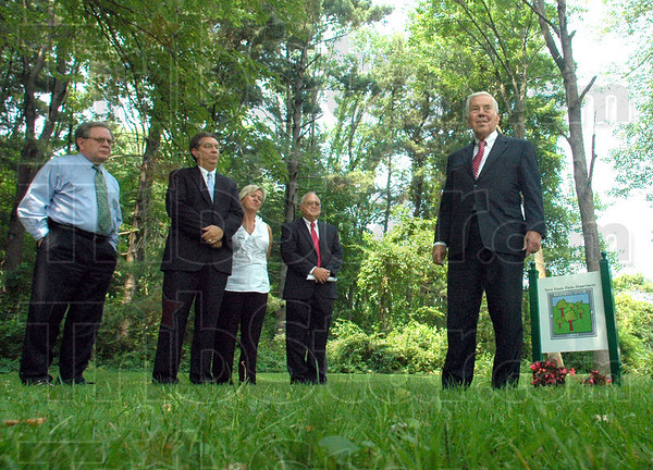 Grove: Senator Richard Lugar (R) thanks administration officials for the honor of having a Dobbs Park grove in his name Friday afternoon.