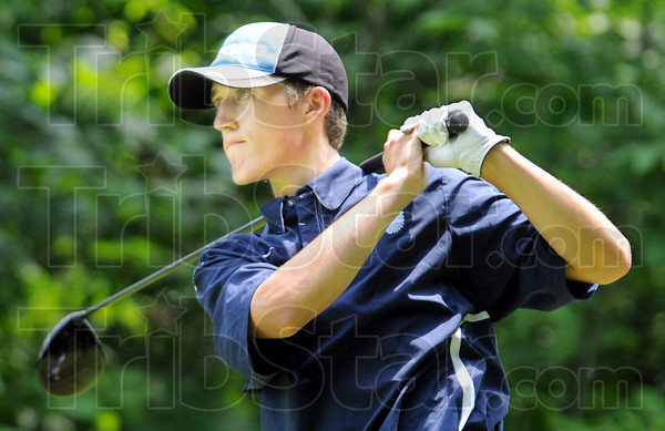 Drive: Shakamak's Eamon Eccles hits a tee shot during sectional play Tuesday.
