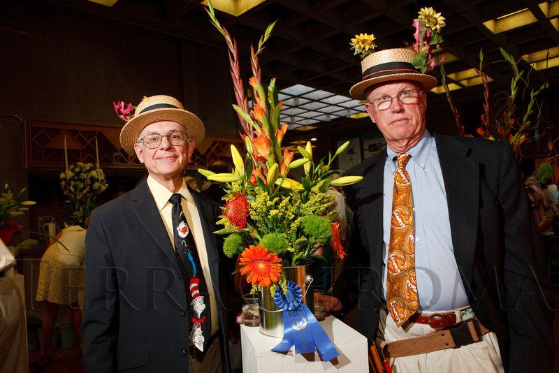 (Denver, Colorado, June 2, 2011)<br /> Newell Grant and Frank Kugeler with their mock first-place ribbon.  Garden Club of Denver event at the Denver Botanic Gardens in Denver, Colorado, on Thursday, June 2, 2011.<br /> STEVE PETERSON