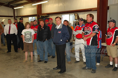 Forrest Lucas speaks at the LOLMDS Drivers Meeting on Friday