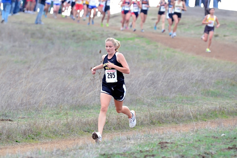 ...our stealth runner Emily Schneider, who has perfected the art of starting conservatively, and saving her energy for some mid-race stalking and late-race passing.