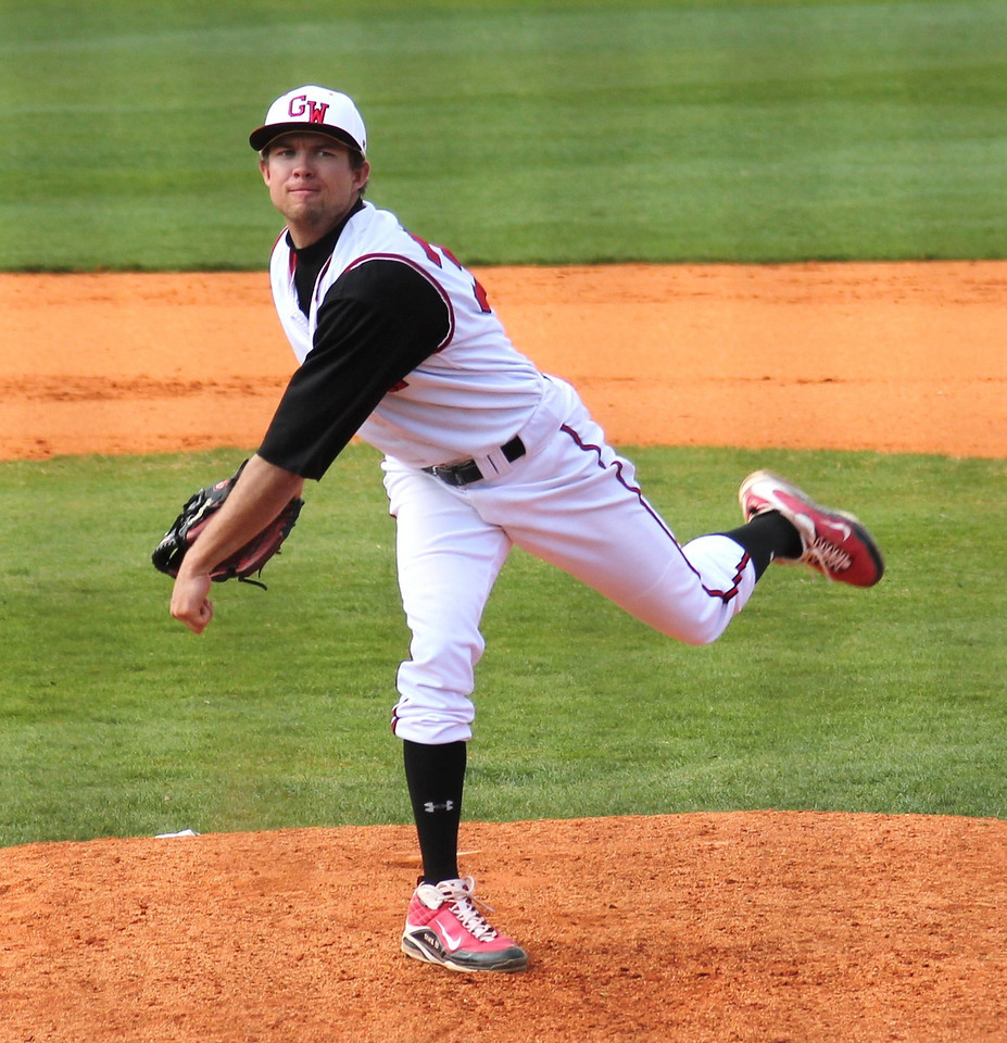 #33 Brett Stackhouse is was next up on the mound for the Diamond 'Dogs.