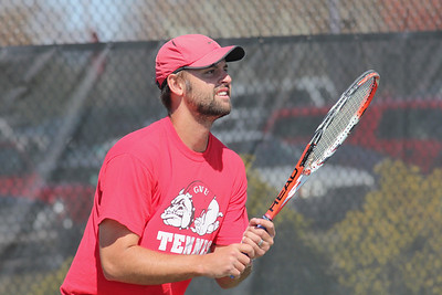 Andrew Veeder awaits a serve from a Georgia State opponent.