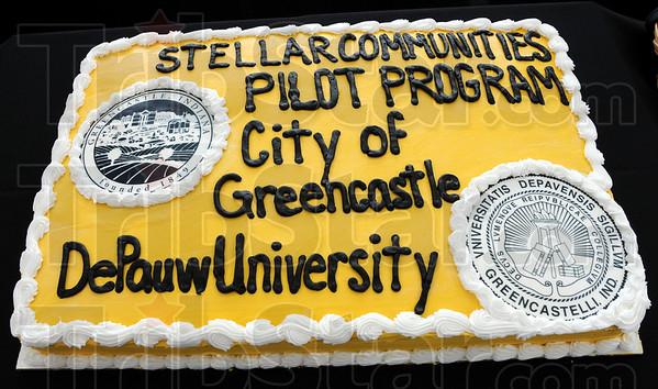 Stellar: Detail photo of cake.
