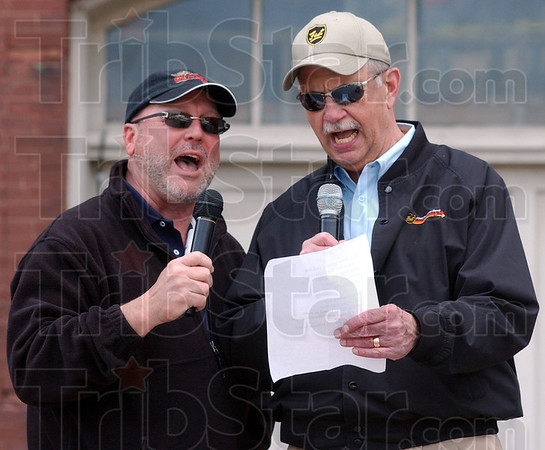 """Tribune-Star/Jim Avelis<br /> Back home: Gary Morris and Bill Kauffman sang """"Back Home Again in Indiana"""" before the race began."""