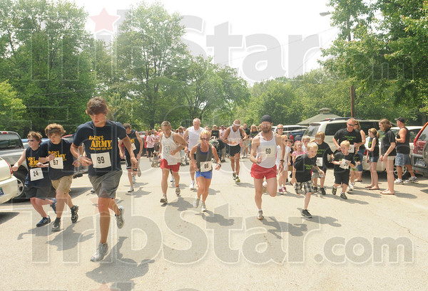 Tribune-Star/Rachel Keyes<br /> Walking for a cause: Over 500 people showed up to the Great Strides Cystic Fibrosis Walk hosted a Deming Park.