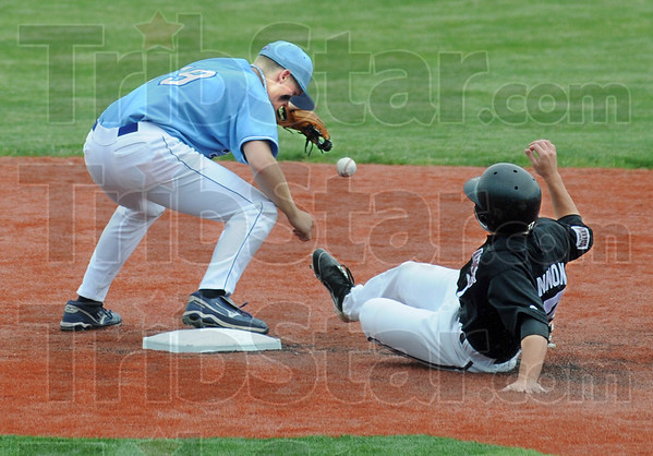 Not: Southern's #17, Blake Pinnon beats the ball to second base during game action Saturday. Indiana State's #19, Robby Ort attempts to control the ball.