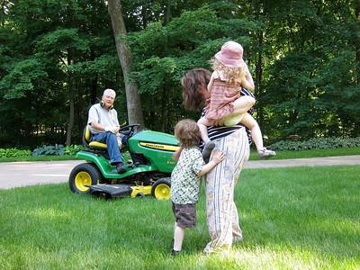 Loud lawn tractor