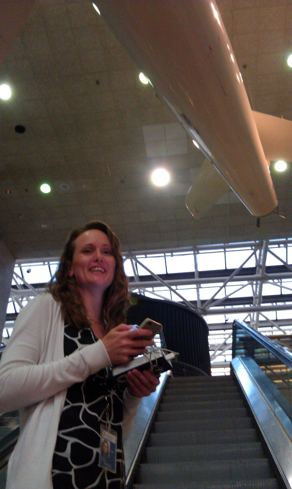 """Vicki Portway (Manager of the NASM Web & New Media Division and @sluggernova executes an ascending tweet at the at the Smithsonian's National Air and Space Museum (NASM) during a """"tweeunion"""" of space tweeps (8/8/11)"""