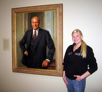 Marisa with Gerald Ford, by Everett Kinstler (1987), in the America's Presidents exhibit at the Smithsonian's National Portrait Gallery (4/3/11)