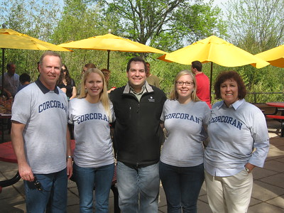 Craig with the Corcoran family at the Smithsonian's National Zoological Park (4/23/11)