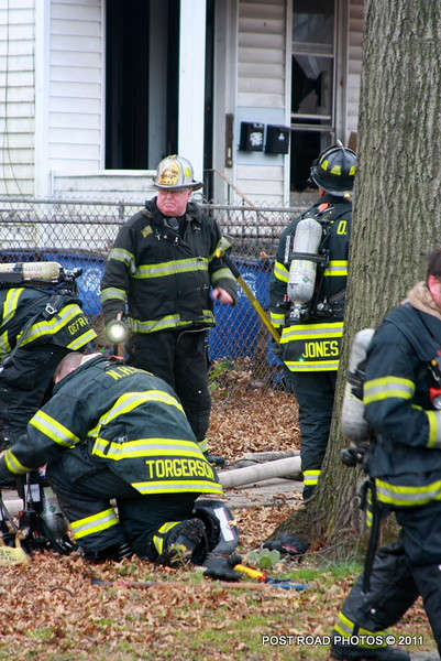 20111217-new-haven-2nd-alarm-house-fire-439-Howard-Avenue-116