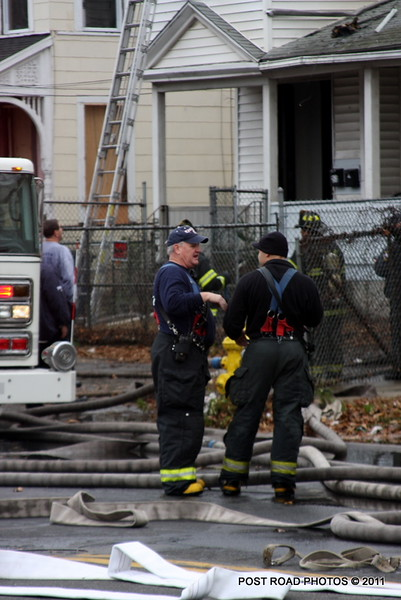 20111217-new-haven-2nd-alarm-house-fire-439-Howard-Avenue-100