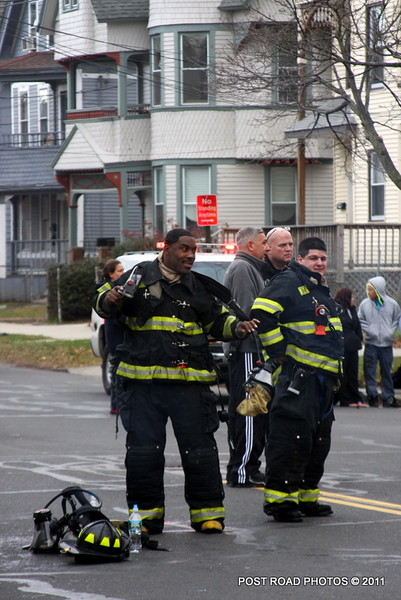 20111217-new-haven-2nd-alarm-house-fire-439-Howard-Avenue-102