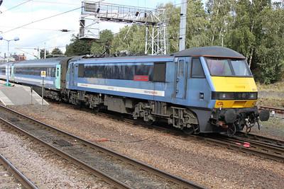 90011 arrives at 1130 Liv.St-Norwich service